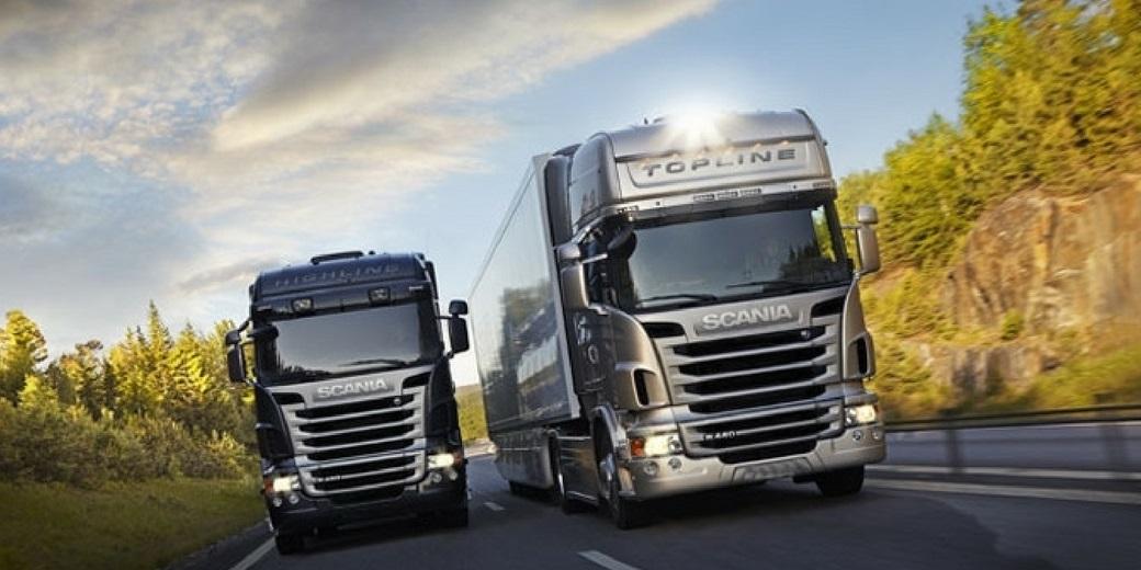 O maior relógio do mundo... Formado por caminhões
