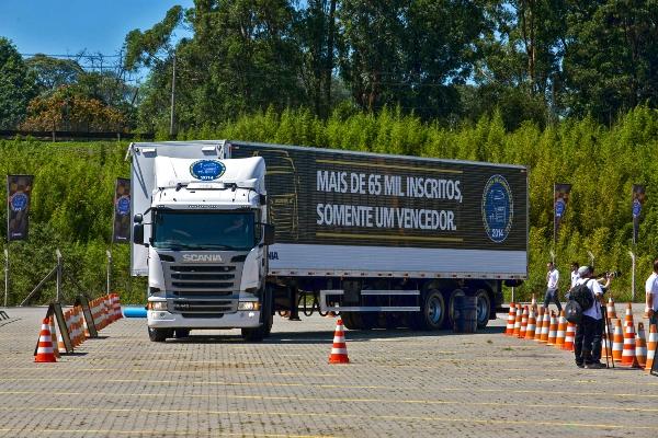 Brasileiro é o melhor motorista de caminhão da América Latina