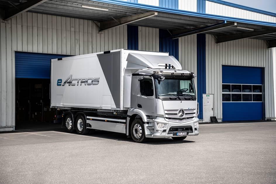Mercedes-Benz celebra a estreia mundial do novo eActros