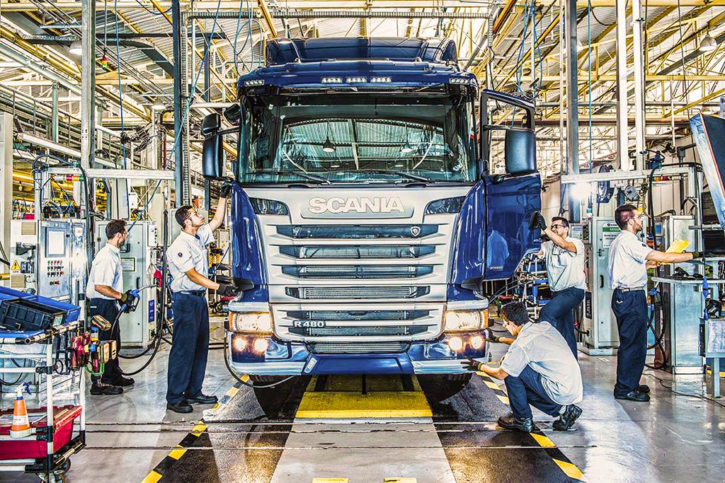 Segundo a ANFAVEA, setor de caminhões e ônibus seguem com bons números, mas futuro ainda é incerto