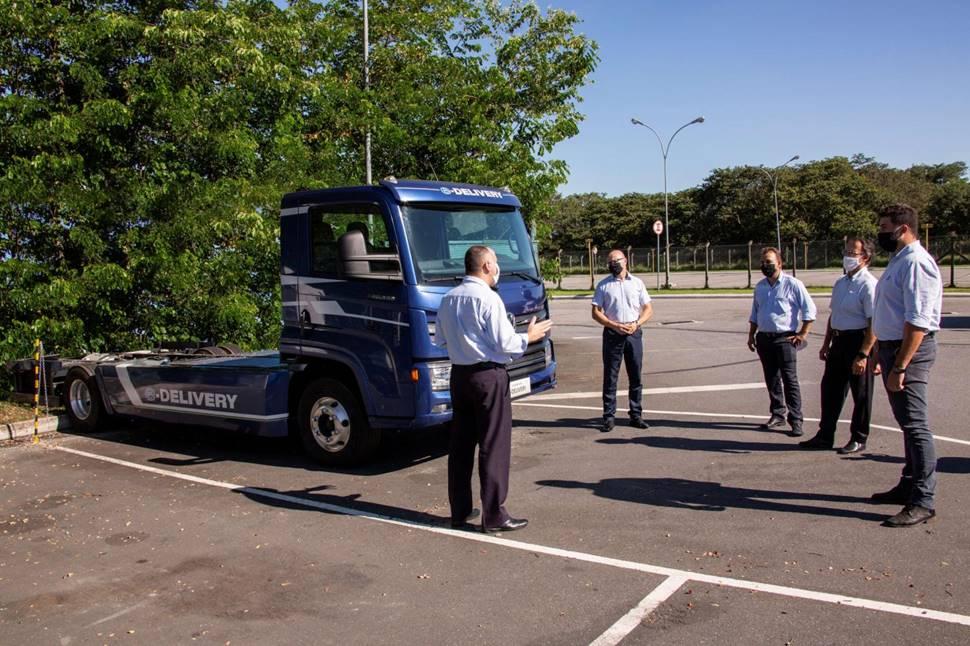 Funcionários de fábrica e concessionários da VWCO recebem treinamento por conta de novos componentes