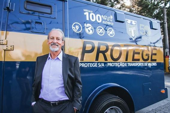 Protege lança o primeiro carro-forte totalmente elétrico no mundo