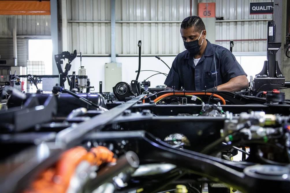 VW Caminhões e Ônibus e CBMM (Companhia Brasileira de Metalurgia e Mineração) fecham parceria para desenvolvimento de baterias automotivas com Nióbio.